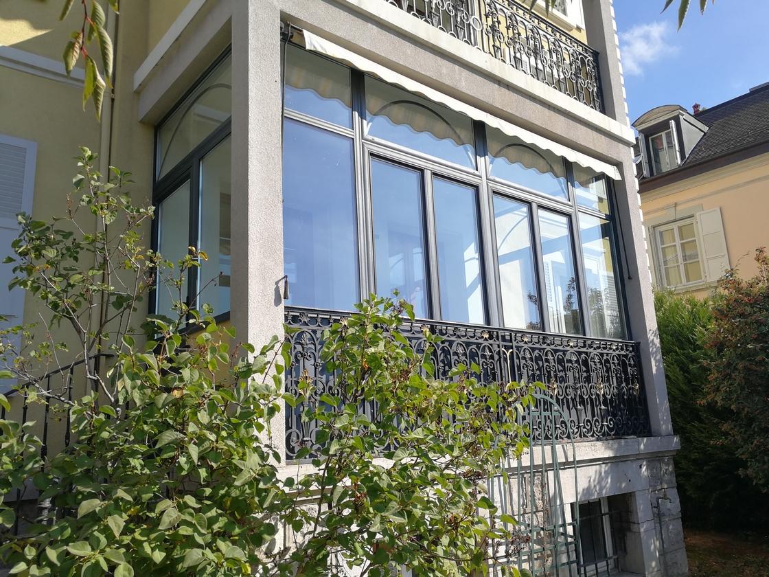 balcon protéger par une loggia